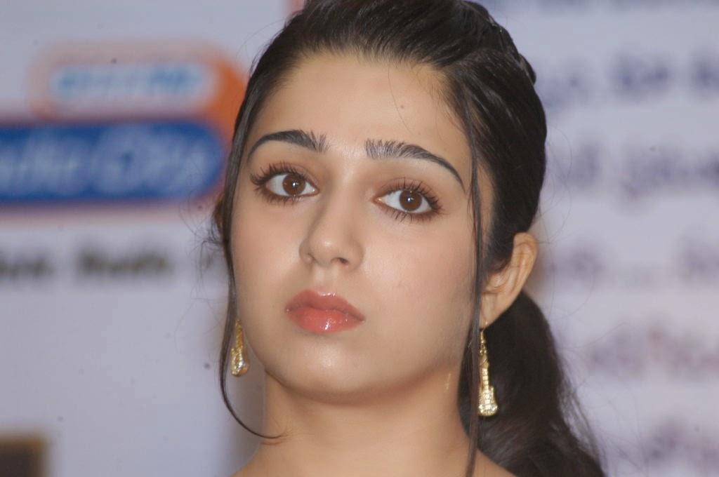 Charmy Kaur: Charmi Kaur Cute Photo Shoot