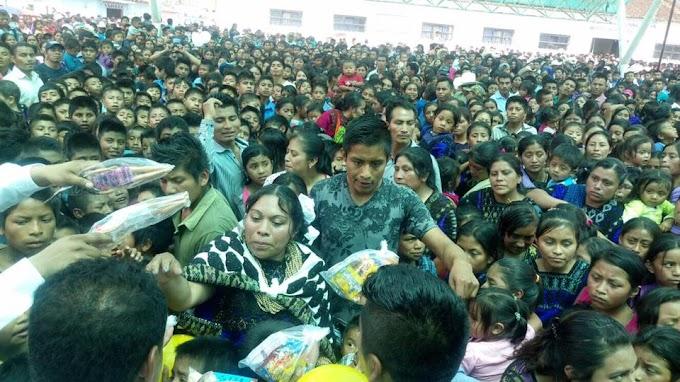 La niñez es primero, Rosa Perez Perez, Asisten cientos de niños en Chenalho.