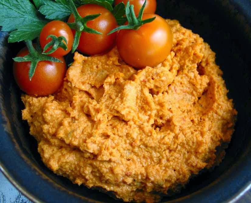 reteta de humus oriental cu rosii si ulei de masline