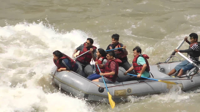 T2-Water-Rafting-At-River-Teesta