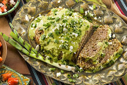 Meatless Black Bean Meatloaf with Creamy Avocado Verde Sauce #vegan #recipevegetarian