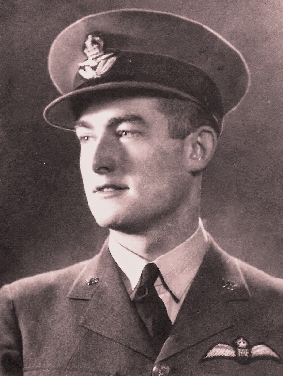 (928057 - 116904) Pilot Officer Frank James Jemmett - No. 601 Squadron