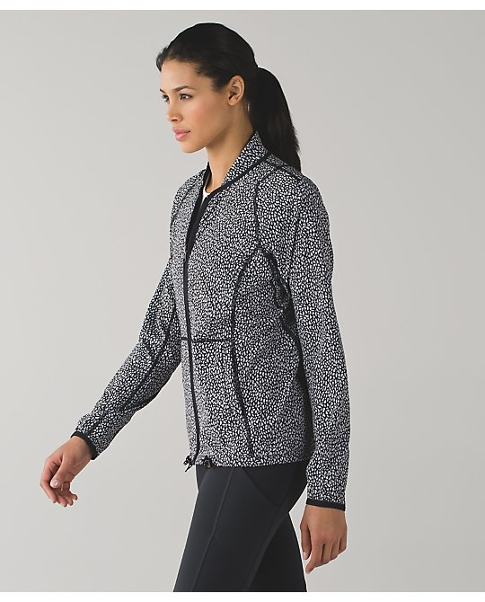 lululemon real-quick-jacket