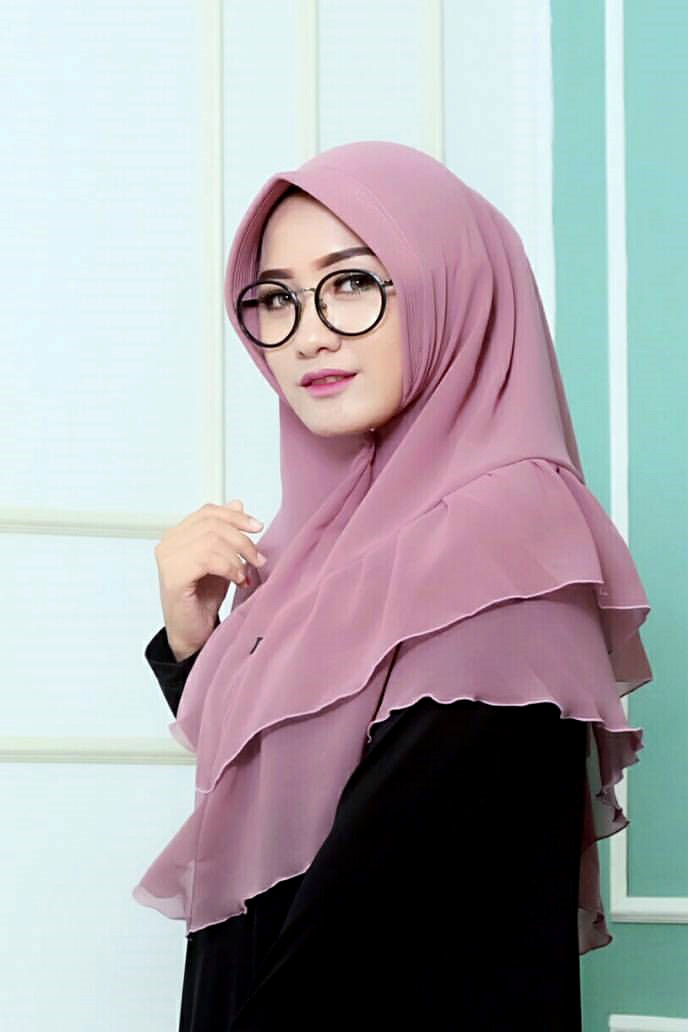 Cewek IGO Jilbab Kacamata satin
