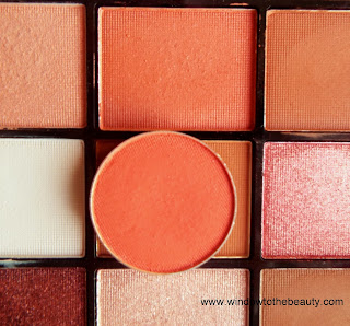 Makeup Geek Poppy zamiennik Revolution Newtrals2