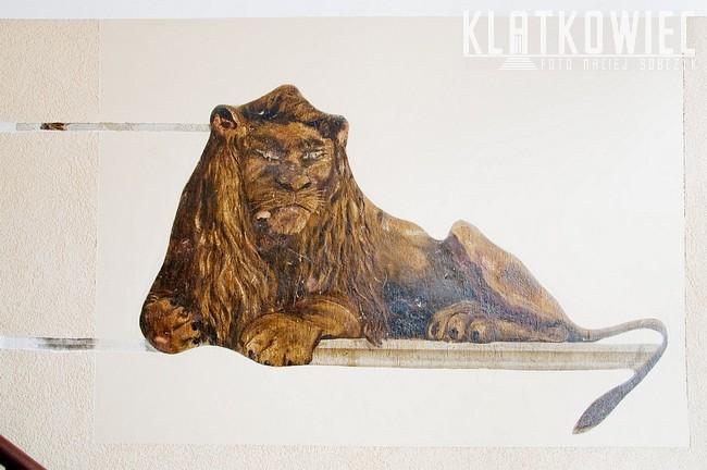 Słupsk. Kamienica. Malowidło z lwem.