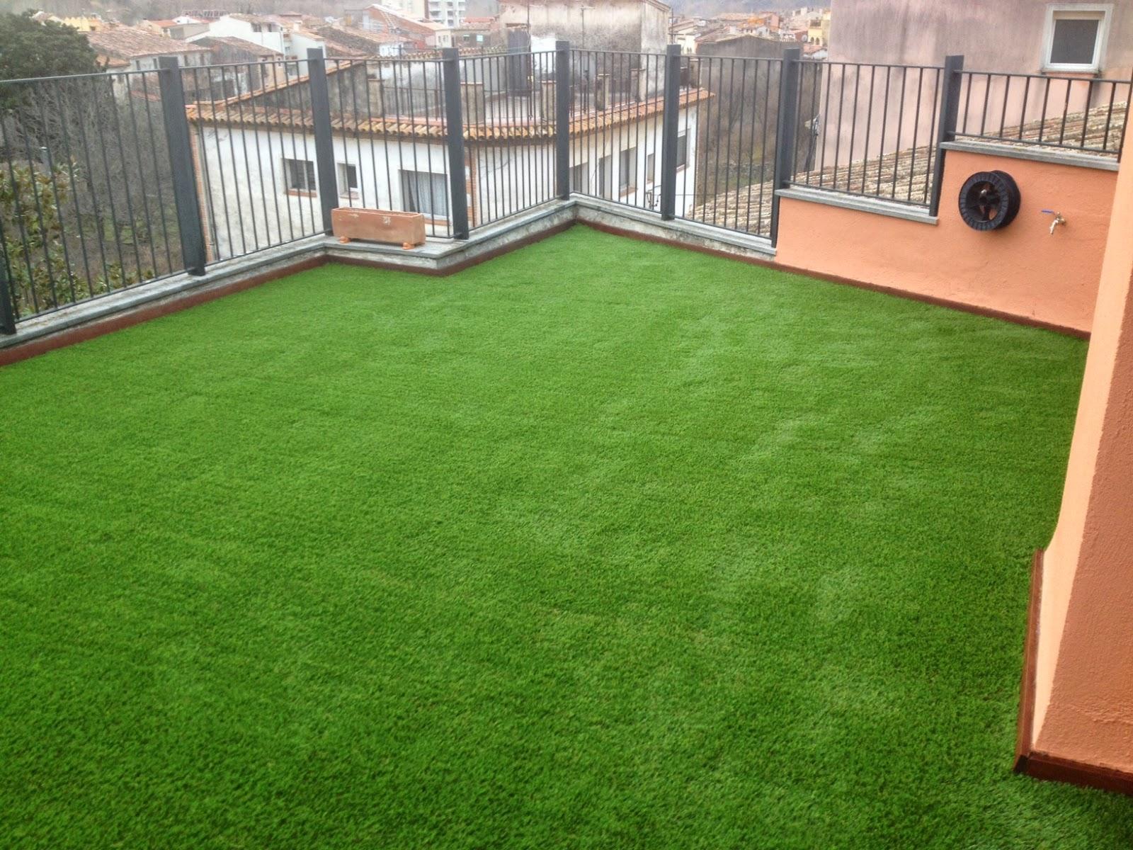 con el csped artificial se puede decorar de todo desde pequeos jardines a grandes una zona chillout de una terraza una terraza normal