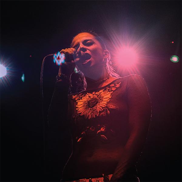 Steffi-Crown-Artista-Sonar