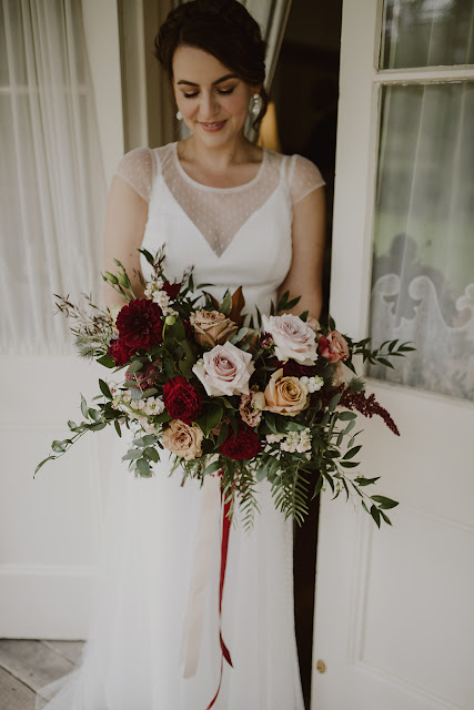 leah cruikshank photography brisbane wedding florals flowers bridal bouquet installations