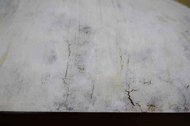 jak ściągnąć lakier, meble lata 60, jak malować meble, usuwanie starych warstw farby