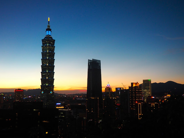 Night skyline after sunset from Elephant Mountain, Taipei, Taiwan