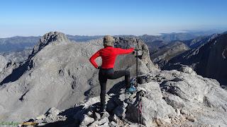 En la cima de la Torre de la Párdida en los Picos de Europa