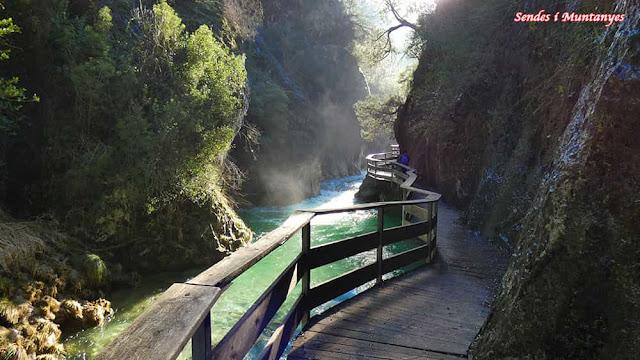 Pasarelas sobre río Borosa, Pontones, Sierra de Cazorla, Jaén, Andalucía