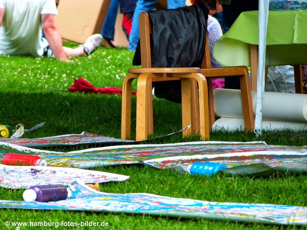 Kinderfest Hamburg Wabe Experimenta, Bilder auf Gras
