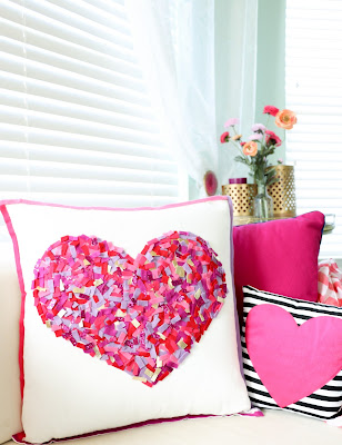 http://www.akailochiclife.com/2016/01/craft-it-no-sew-felt-confetti-pillow.html