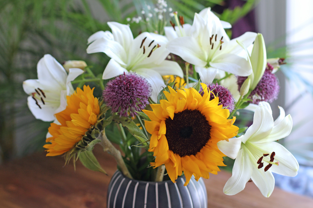 Sunflower fresh flowers bouquet - UK lifestyle blog
