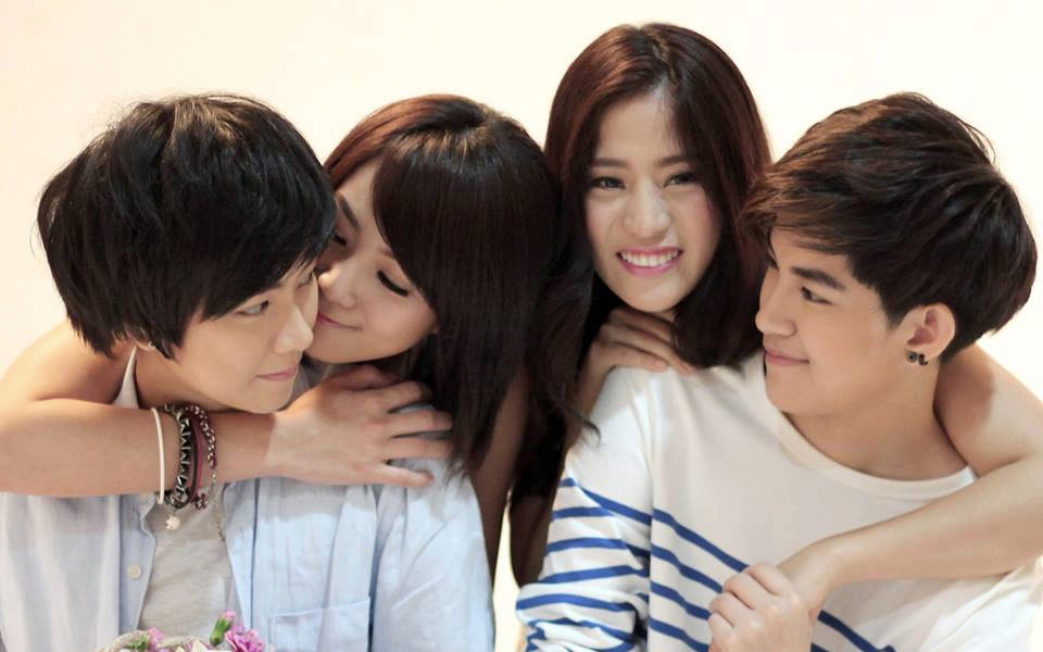 Aom and tina dating divas 9