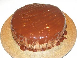Preparare tort cu glazura de ciocolata retete culinare,