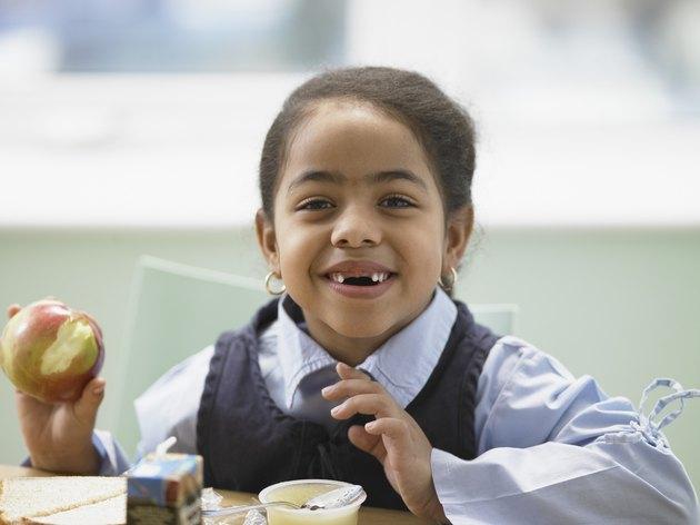 ما الذي يسبب تأخر حدوث ثغرة في الأسنان عند الأطفال