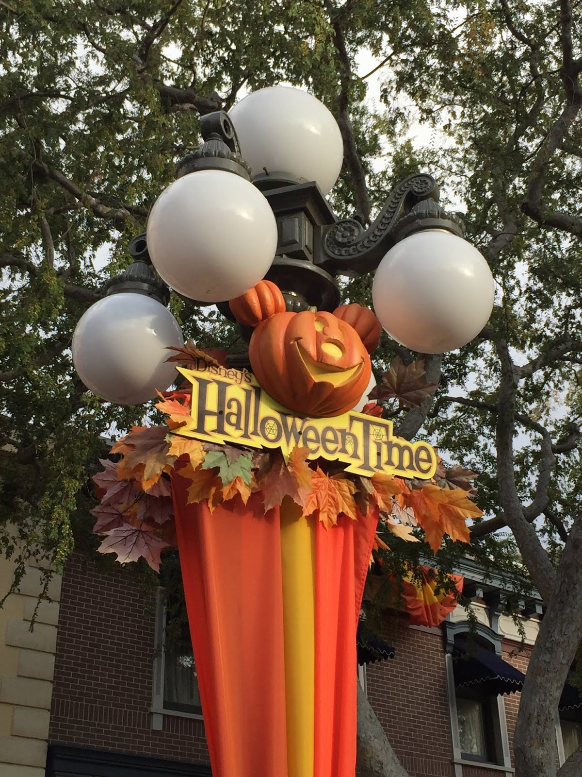 laura's miscellaneous musings: today at disneyland: halloween time 2018