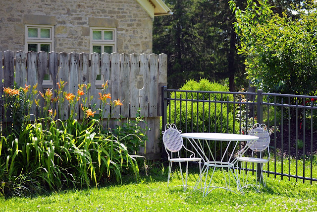 Nowoczesne meble, nowoczesny ogród
