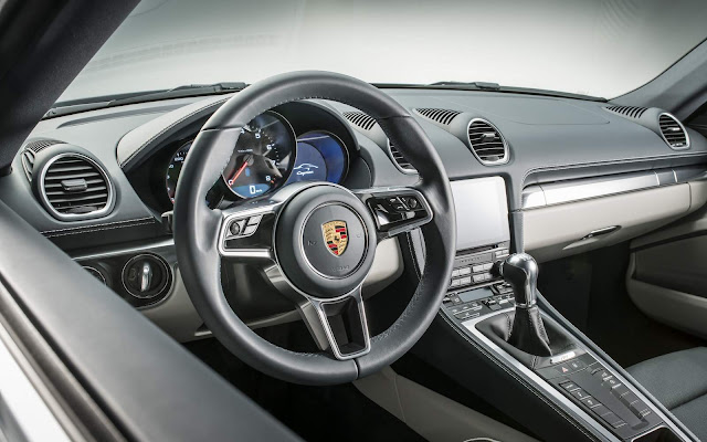 Porsche 718 Cayman  - interior