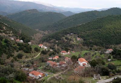 """Αλβανοί δημοσιογράφοι μπήκαν στον Παλαμπά Θεσπρωτίας και μιλήσανε για """"Τσαμουριά"""""""