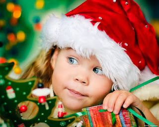sweet-little-girl-waiting-for-santa-claus-christmas-hd-wallpaper-image.jpg
