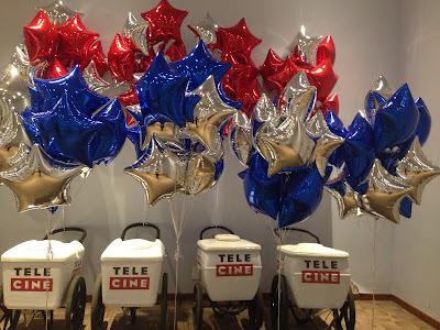 eventos de empresa com balões de gás hélio colorido