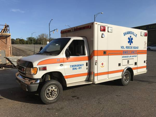 2002 Ford E350 4x4 Ambulance Van
