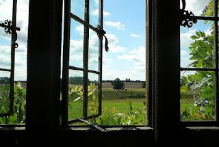 Egy nyitott ablak