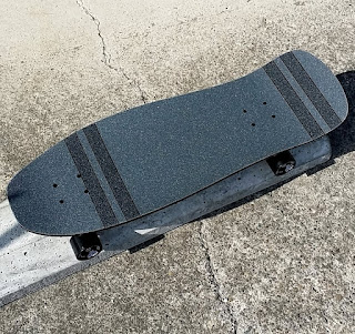 ドックタウンカービングクルーザースケートボードには中荒ロームグリップも混ぜてサーフ仕様に