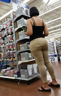 mujeres ricas jeans ajustados