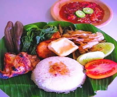 Foto Resep Nasi Tempong Banyuwangi Komplit dengan Sambal Pedas Terasi Asli Enak