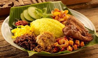 Kuliner Indonesia - Nasi Kuning