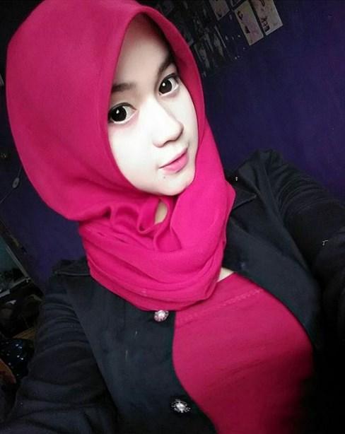 Foto foto Cewek Igo Cantik Pakai Pink Dengan Latihan Mengecilkan Paha Mulus Jilbob