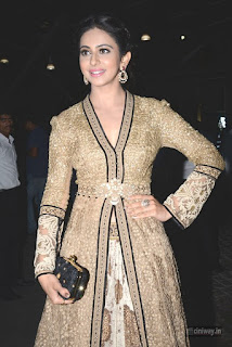 Rakul-Preet-Singh-Stills-at-Filmfare-Awards-2016