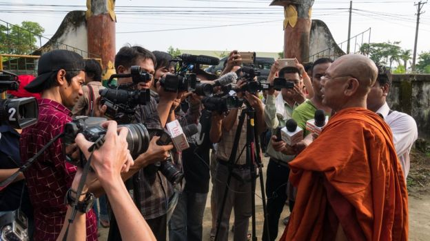 Ngaku Jadi Korban Keganasan Muslim Rohingya, Sandiwara Buddha Dibongkar Wartawan BBC