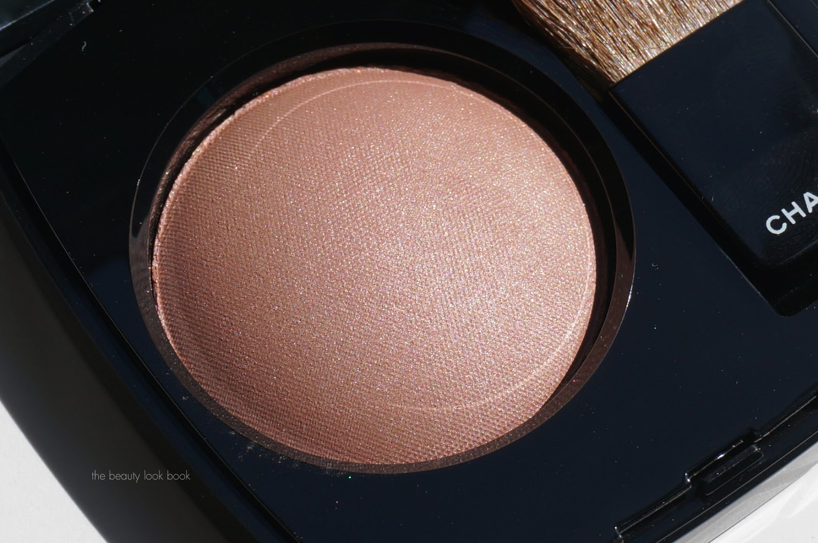 Chanel Joues Contraste Powder Blush in Golden Sun and ...