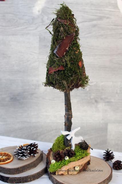 bożonarodzeniowe stroiki choinki z szyszek