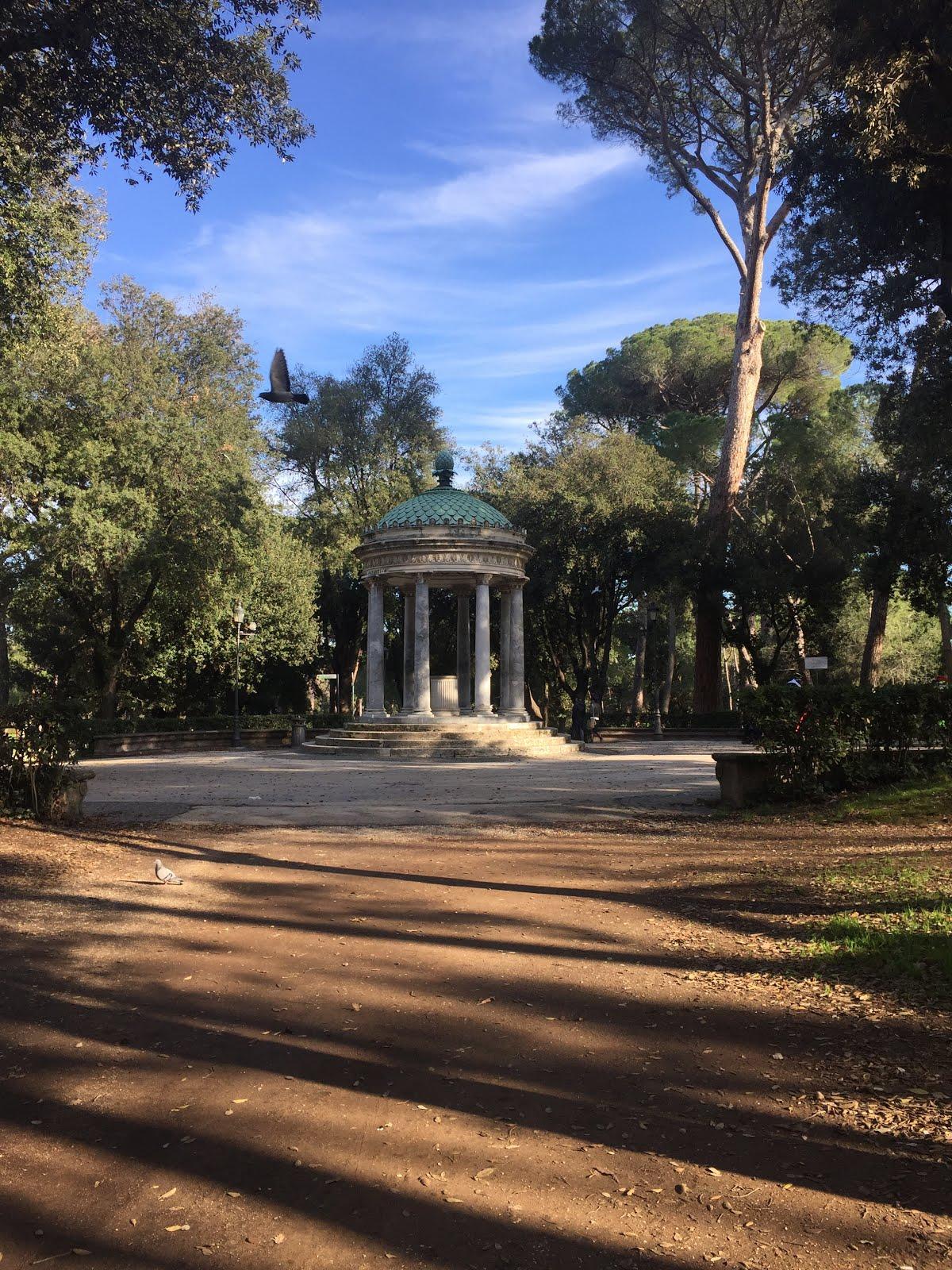 le temple de diane à la villa borghese de rome