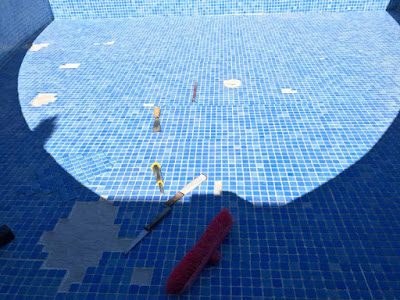 Replacing pool mosaic tiles