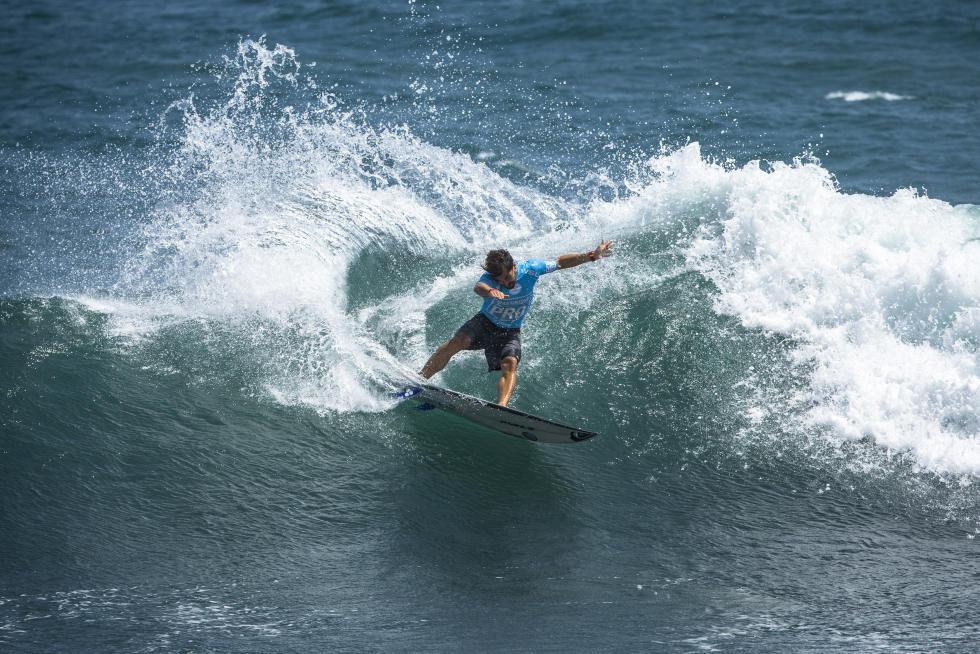 53 Aritz Aranburu ESP Martinique Surf Pro foto WSL Poullenot Aquashot