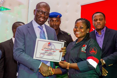 Photos: Governor Obaseki offers to engage female mechanics who just graduated in Edo State