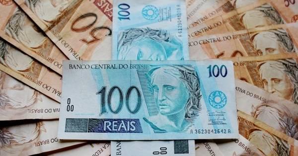 Governo reduz para R$ 998 previsão do salário mínimo em 2019