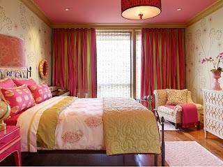 Habitación en verde y rosa
