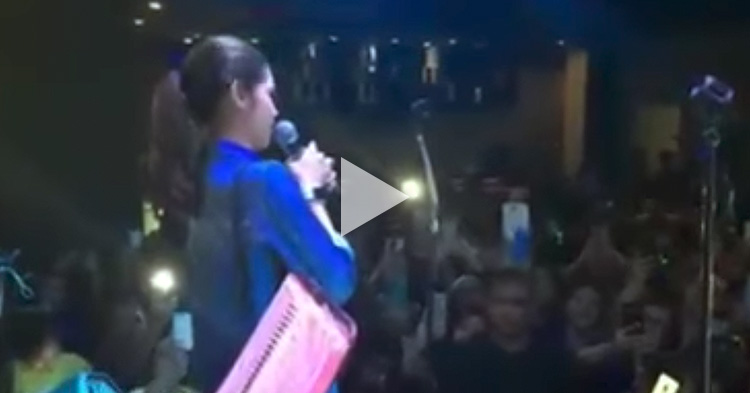 Maine Mendoza got emotional while singing in front of her fans