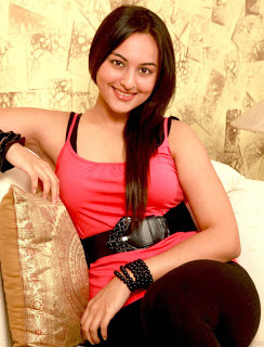 Sonakshi Sinha Dabangg 2 Wallpaper Images Photos Stills