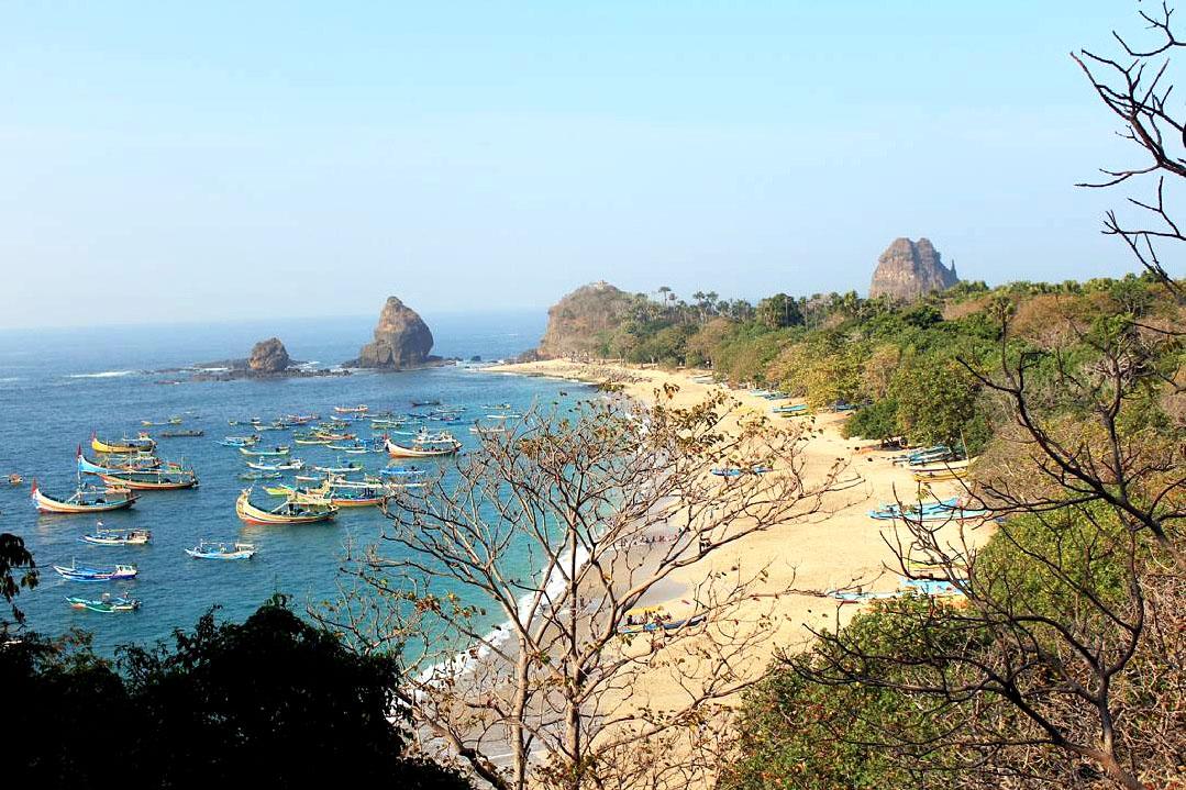 Tempat Wisata Pantai Papuma di Jawa Timur
