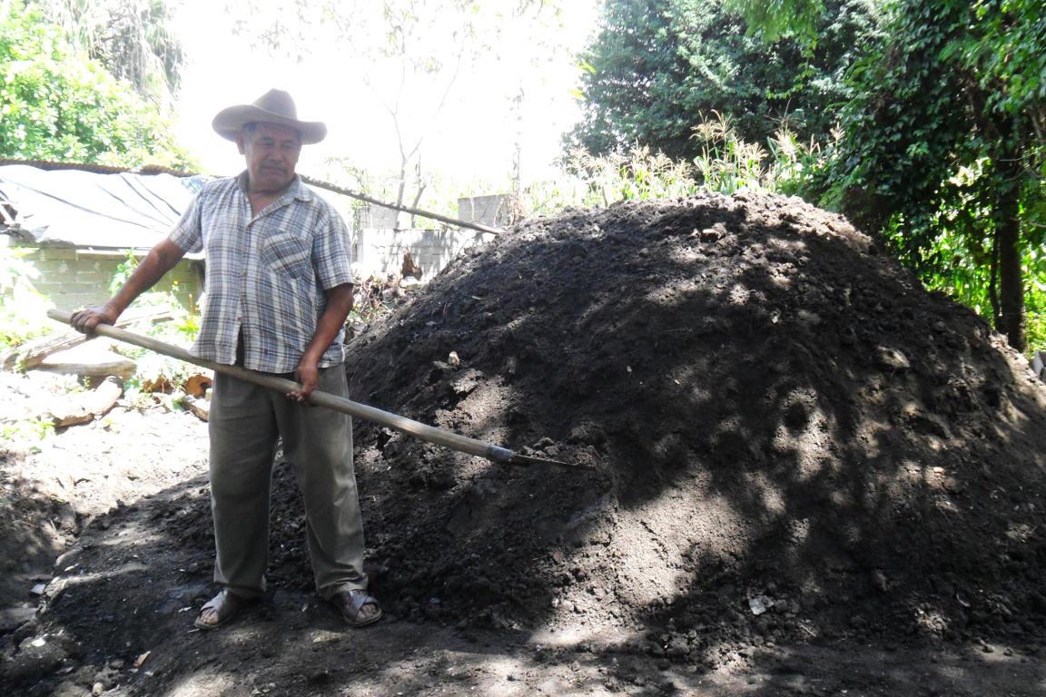 Cocción o tapado del maguey en San Agustín Amatengo.